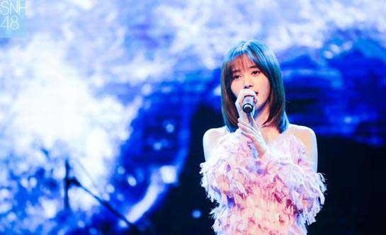 SNH48鞠婧祎生日会温情举办 飙泪哽咽致谢粉丝