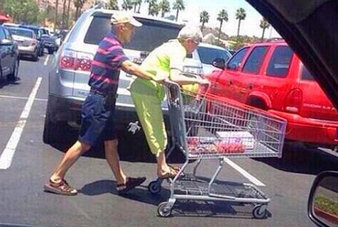 感人!老年人的有爱生活