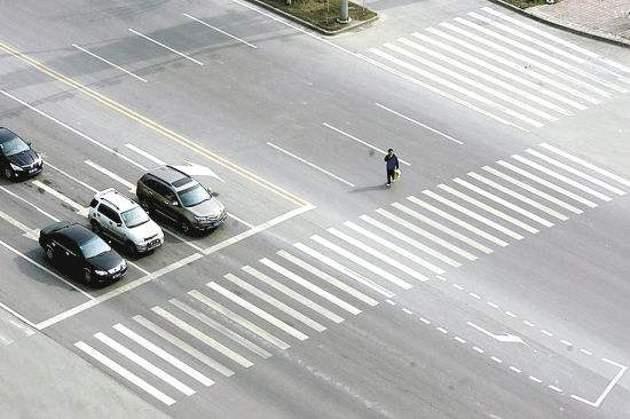 公安部:近3年斑马线上交通事故共造成3898人死亡
