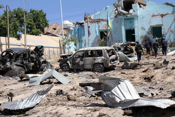 索马里首都发生炸弹爆炸袭击 至少10人死亡