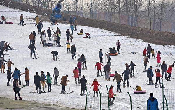 """""""三亿人上冰雪""""依旧遥远 中国滑雪最缺专业人才"""