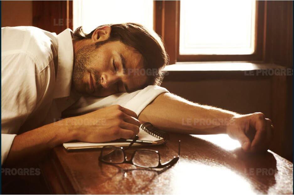 睡得越久越精神?英国实验揭秘最佳午休时长