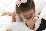 贾静雯为三胎女儿办百日宴