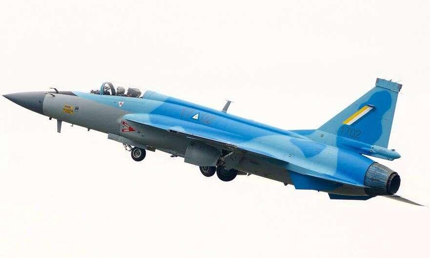 简氏:缅甸购买枭龙战机将成主力 欲在本国生产