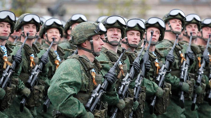 俄民众对俄军战力信心日增 四成人仍认为俄面临威胁