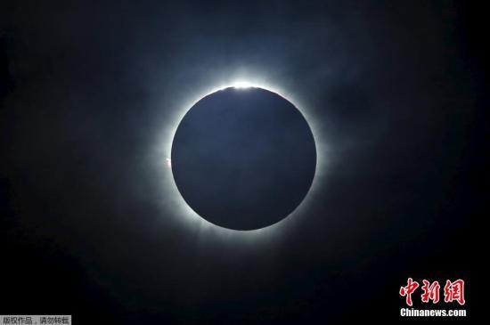 """阳光被""""关掉"""":地球将迎日全食现象 百年一见"""