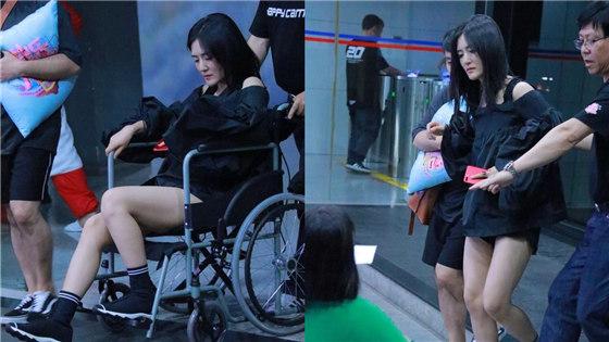 谢娜疑旧伤复发坐轮椅憔悴
