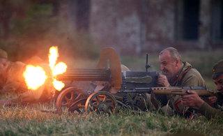 白俄罗斯重现二战玩得很过瘾