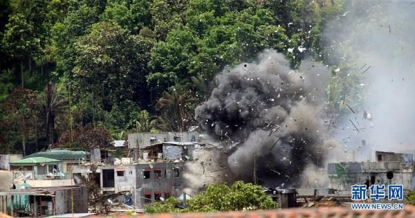 菲律宾总统警告恐怖分子:如有必要,会炸平马拉威市