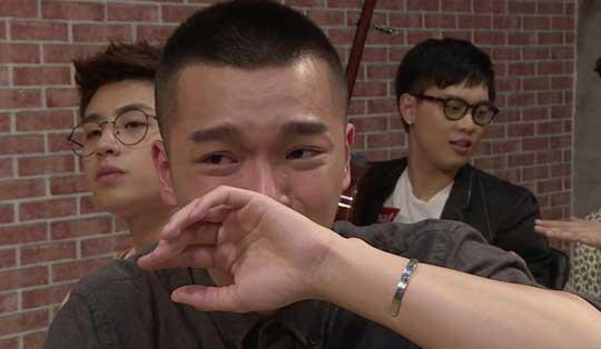 快男选手被罗志祥怼哭 陈粒:看着好像惊悚片