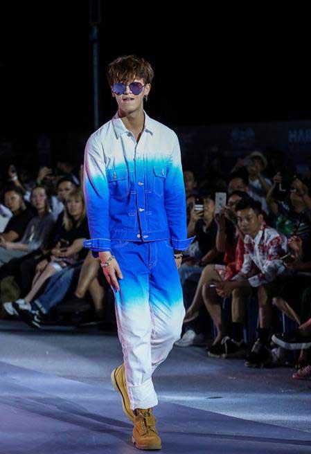 马卡龙上身!LiCong李聪海风服亮相红毯时尚感十足