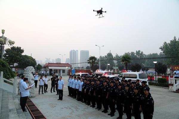 无人机升空 单兵系统指挥 科技助力法院执法