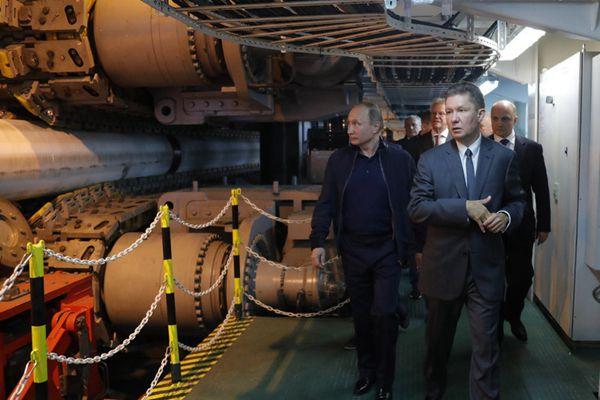 """普京视察""""土耳其溪""""天然气管道项目 与埃尔多安通电话"""