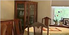夫妇误将闹钟封入墙内 每天定点响铃被折磨13年