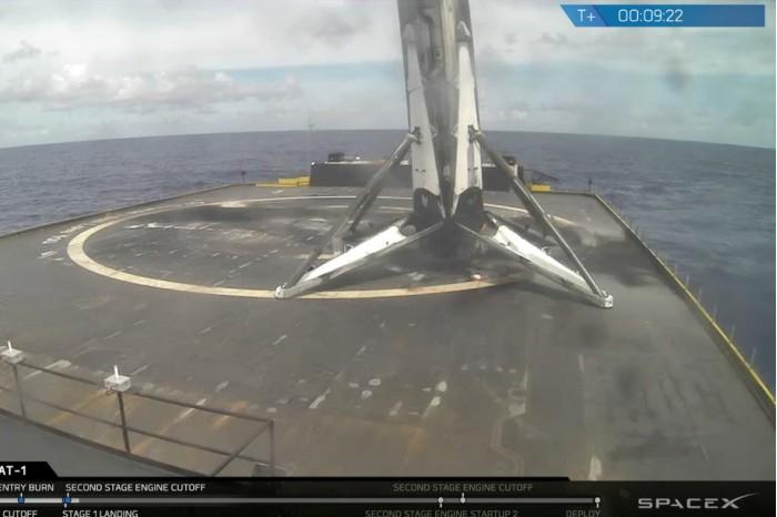 SpaceX第二次成功发射并回收重复使用火箭
