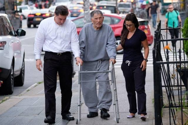 美国黑帮头目成最老囚犯100岁高龄获释
