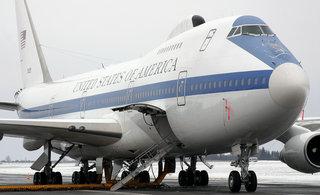 美国末日飞机因龙卷风损失惨重