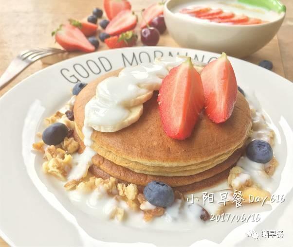 晒早餐 | 不用面粉和泡打粉的Pancake,竟然松软到没朋友(内附快手食谱)