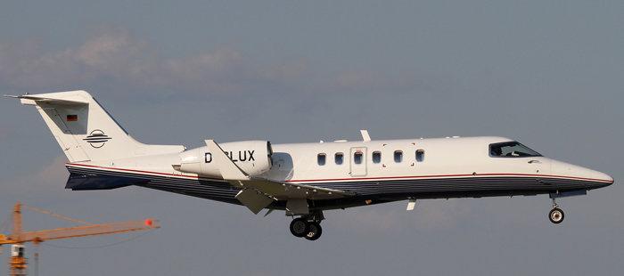 供过于求!英媒称二手私人飞机均价暴跌35%