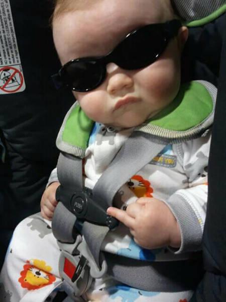 专黑宝宝一百年图片