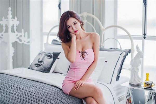 2000万身价韩国女主播向王思聪讨薪 熊猫直播回应