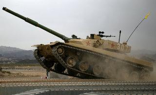 中国陆军96B主战坦克紧张备战
