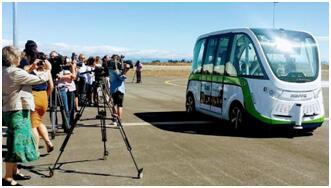 澳墨尔本市试运行无人驾驶公交 车内无方向盘