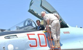 叙利亚总统到访俄军基地 坐上苏-35战斗机