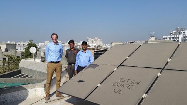 污染可能导致太阳能电池板发电效率降低25%