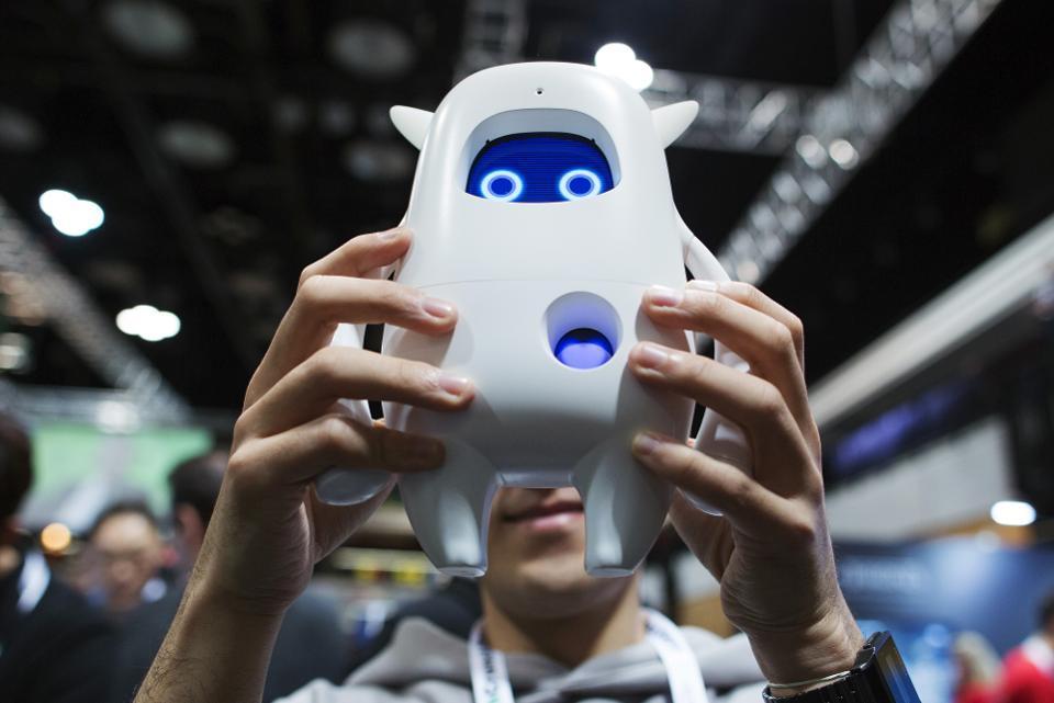 身体进化不及技术变革 人工智能会让人类变笨?
