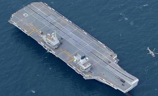 英国最强航母只能用假飞机训练