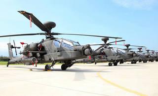 台军阿帕奇武装直升机正式成军