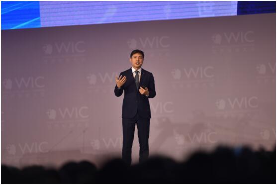 李彦宏:世界经济过去40年主要靠IT 未来靠AI