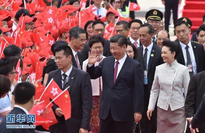 社评:不带偏见看香港回归20年的大线条