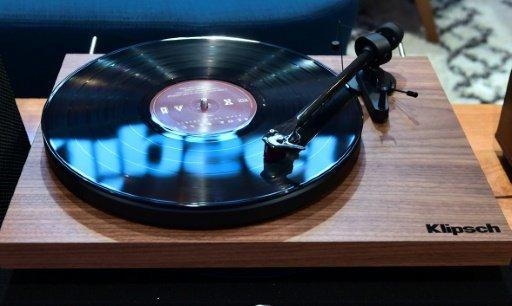 经典再现!索尼时隔30年再产黑胶唱片