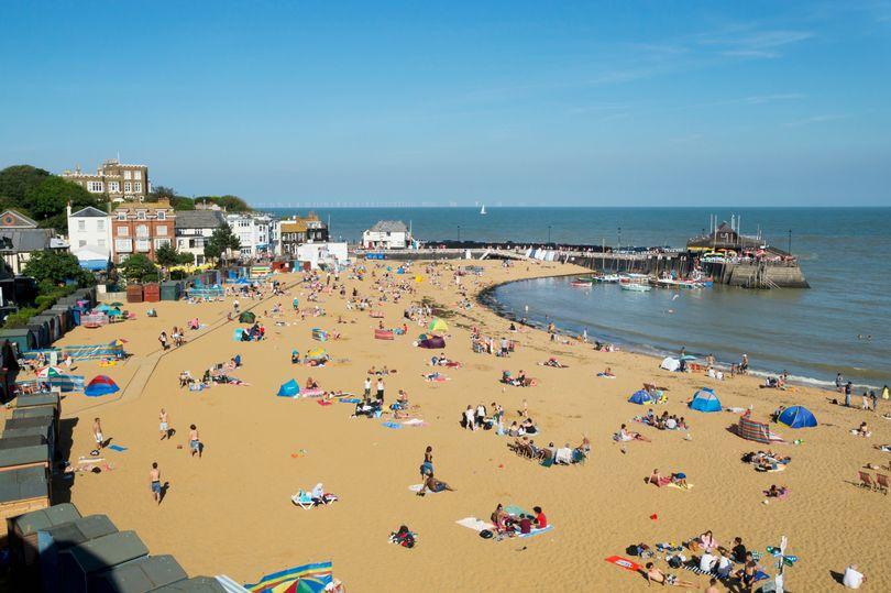 自闭症男孩被学校禁止前往该校组织的沙滩旅游