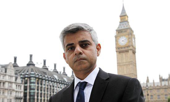伦敦各校将安装探测器 以防刀具等武器入内