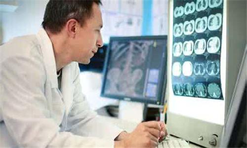 国外家庭医生服务模式成熟 缓解就诊压力