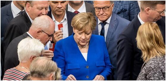 德国通过同性恋婚姻合法化法案 默克尔投反对票