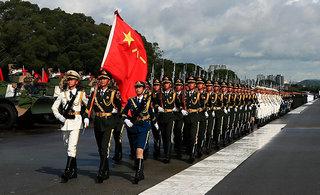驻港部队进行盛大阅兵式