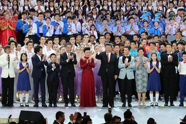 香港回归20周年文艺晚会在香港举行 习近平出席观看