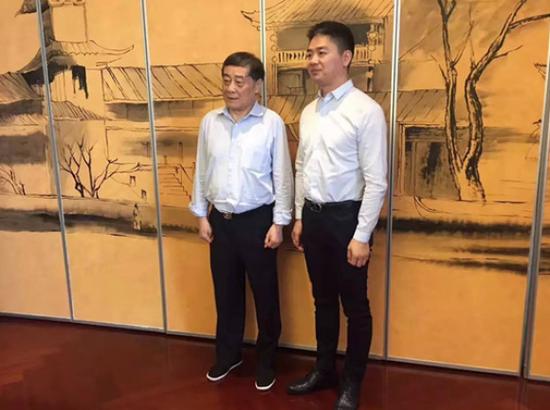 宗庆后密会刘强东化学反应:娃哈哈想通了 再试零售