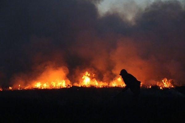 警报!蒙古国大火逼近中国,堵截4天还在烧!