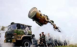 火箭军5年发射数百发多型导弹