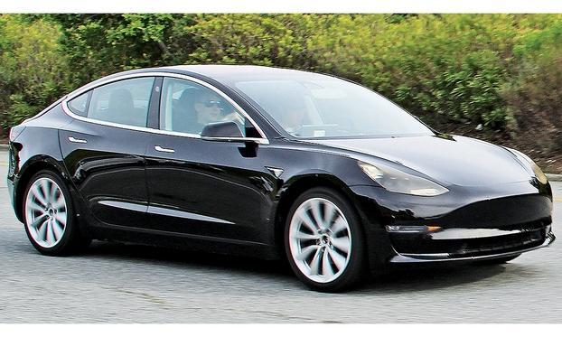 马斯克:首批特斯拉 Model 3将于7月28日交车
