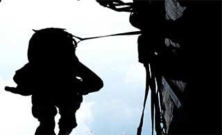 空降兵为国际军事竞赛苦练技能