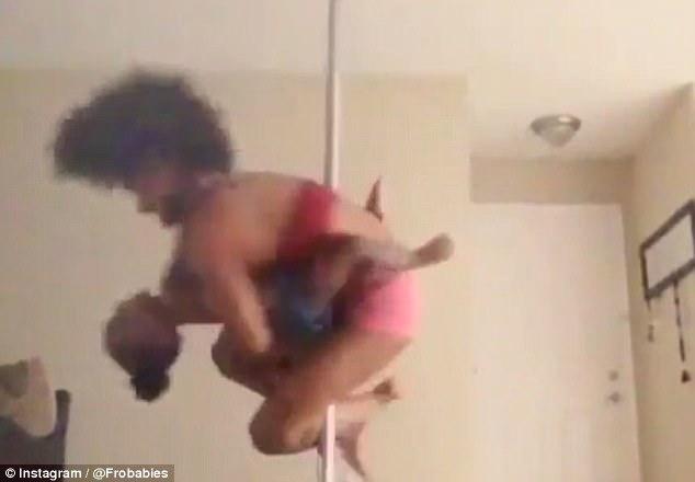 美舞蹈家单手抱孩子大秀钢管舞惹争议