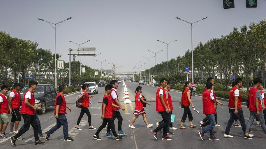 外媒:中国iPhone之城崛起 好比汽车之城底特律