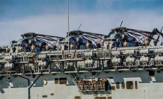 美军两栖舰澳大利亚庆国庆