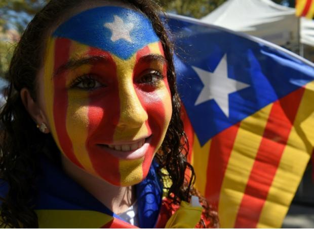 加泰罗尼亚推动独立公投 西班牙首相呼吁冷静